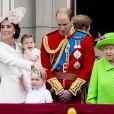 Le prince George de Cambridge avec la famille royale lors de la parade Trooping the Colour à Londres le 11 juin 2016.