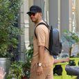 Exclusif - Hailey Baldwin et Lewis Hamilton se promènent sur des trottoirs différents mais se retrouvent au restaurant Bubby où ils ont probablement déjeuné ensemble, New York, le 19 juillet