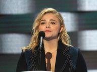Chloë Moretz : Oratrice de charme sous le regard de son chéri Brooklyn Beckham