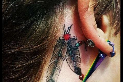 Paris Jackson : Nouveau tatouage et mauvaises habitudes, le clan Jackson inquiet