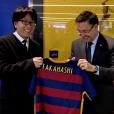 Yoichi Takahachi, créateur de Captain Tsubasa (Olive et Tom), en visite au FC Barcelone au Camp Nou en janvier 2016
