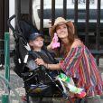 Alessandra Ambrosio et son fils Noah à Rio de Janeiro, le 6 août 2016.