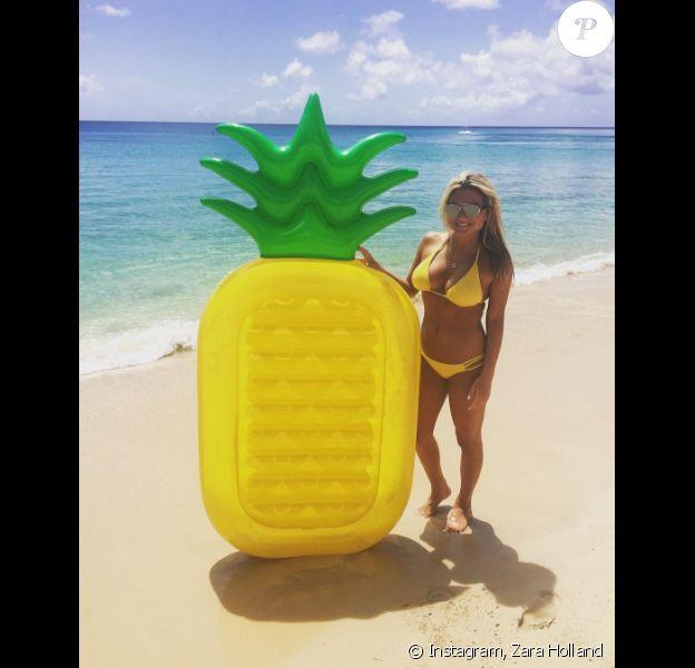 Zara Holland en vacances à La Barbade. Août 2016.