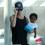 Charlize Theron : Son petit Jackson aime toujours autant s'habiller en fille !
