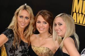 REPORTAGE PHOTOS : La pétillante Miley Cyrus fête ses 16 ans entourée des siens, de Rihanna, Christina Aguilera et des stars internationales !