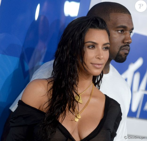 Kim Kardashian et son mari Kanye West à la soirée des MTV Video Music Awards 2016 à Madison Square Garden à New York, le 28 aout 2016.