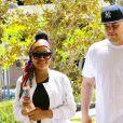 Rob Kardashian et sa fiancée Blac Chyna se promènent dans les rues de Los Angeles, le 6 avril 2016