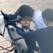Mary-Kate Olsen soutenue par son mari Olivier Sarkozy par un tendre baiser