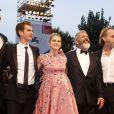 """Vince Vaughn, Andrew Garfield, Teresa Palmer (enceinte), Mel Gibson, Hugo Weaving, Luke Bracey- Tapis rouge du film """"Tu ne tueras point"""" (""""Hacksaw Ridge"""") lors du 73ème Festival du Film de Venise, la Mostra, le 4 septembre 2016."""