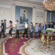 Le prince Carl Philip et la princesse Sofia de Suède ont reçu une cinquantaine d'écoliers de Stockholm au palais royal Drottningholm le 7 septembre 2016 pour échanger avec eux sur le thème de la sécurité sur Internet.