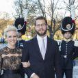 Victor Magnuson, cousin du prince Carl Philip de Suède ici avec sa femme Frida Bergström au concert pour le 70e anniversaire du roi Carl XVI Gustaf de Suède le 29 avril 2016, a été désigné parrain du prince Alexander, baptisé le 9 septembre 2016.