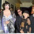 Alexis Arquette et la styliste Renee Bardot au défilé Kabarett à Los Angeles en septembre 2001.