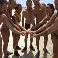 """L'équipe jaune lors de l'épreuve de confort - """"Koh-Lanta, L'île au trésor"""". Sur TF1. Le 16 septembre 2016."""
