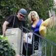 Exclusif - Courtney Stodden et son mari Doug Hutchison déménagent à Los Angeles le 1er juillet 2015