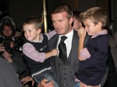 REPORTAGE PHOTOS : David Beckham, mi- super papa mi-superman, vraiment irrésistible !