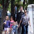 Jennifer Garner et Ben Affleck se retrouvent pour déjeuner avec leurs enfants Violet, Seraphina et Samuel à Londres le 12 mai 2016.