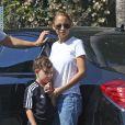Exclusif - Nicole Richie va chercher son fils Sparow avec un ami à pour l'emmener un fête d'anniversaire à Los Angeles le 10 juillet 2016.