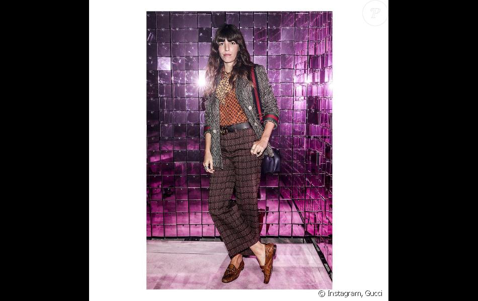 Lou Doillon assiste au défilé Gucci, habillée d'une tenue Gucci de la collection automne-hiver 2016. Milan, le 21 septembre 2016.