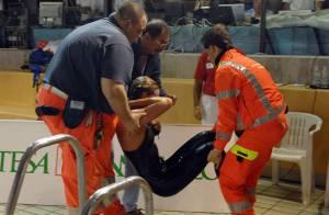 REPORTAGE PHOTOS : Federica Pellegrini, la rivale de Laure Manaudou, victime d'un malaise en pleine course !