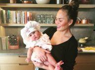Chrissy Teigen en a rêvé : Sa fille Luna, adorable petite chef en herbe