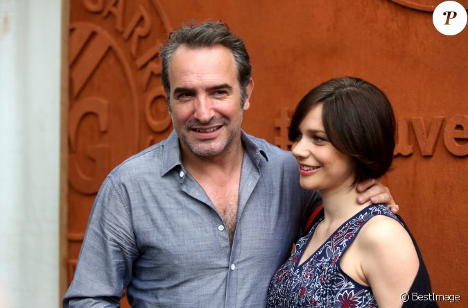 Jean dujardin et sa compagne nathalie p chalat people au for Jean dujardin 30 ans