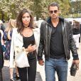 """Sara Sampaio et son compagnon Oliver Ripley arrivant au défilé de mode """"Elie Saab"""", collection prêt-à-porter Printemps-Eté 2017 à Paris, le 1er octobre 2016"""