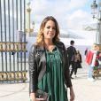 """Anouchka Delon arrivant au défilé de mode """"Elie Saab"""", collection prêt-à-porter Printemps-Eté 2017 à Paris, le 1er octobre 2016"""