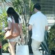 Exclusif - John Stamos et sa petite amie Caitlin McHugh font du shopping à West Hollywood, le 1er octobre 2016