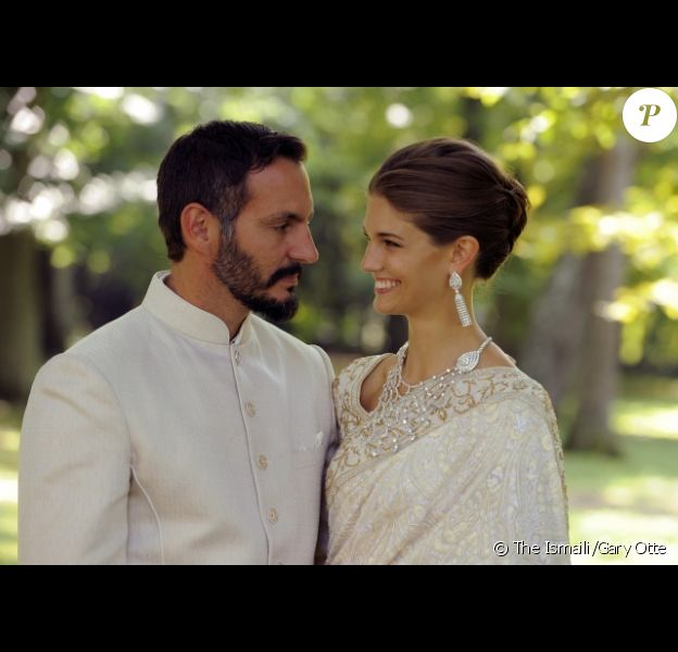 Le prince Rahim Aga Khan et la princesse Salwa (née Kendra Spears) photographiés à l'occasion de leur mariage célébré le 31 août 2013 au château de Bellerive, à Genève en Suisse.