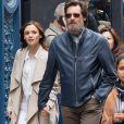 Info - Jim Carrey poursuivi pour avoir fourni les drogues qui ont tué son ex-petite amie - Jim Carrey se promène, main dans la main, avec sa compagne Cathriona White dans les rues de New York, le 18 mai 2015