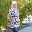 Tori Spelling, enceinte de son cinquième enfant, quittant une librairie à Santa Monica, Los Angeles, le 13 octobre 2016