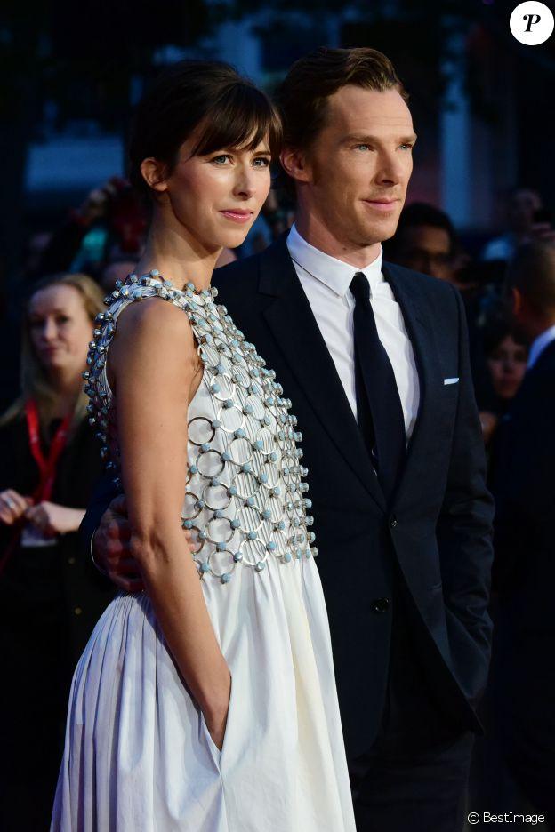"""Benedict Cumberbatch et sa femme Sophie Hunter (habillée en Dior Haute Couture) - Avant-première du film """"Black Mass"""" lors du Festival BFI à Londres, le 11 octobre 2015"""