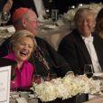 Hillary Clinton et Donald Trump au  dîner Alfred E. Smith, organisé dans les salons du prestigieux Waldorf Astoria, avec l'archevêque Timothy Dolan et Melania Trump, à New York le 20 octobre 2016 à New York le 20 octobre 2016