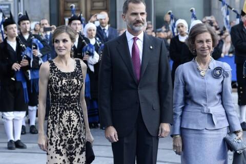 Letizia d'Espagne : Sublime auprès de sa chic maman et de Felipe en Asturies