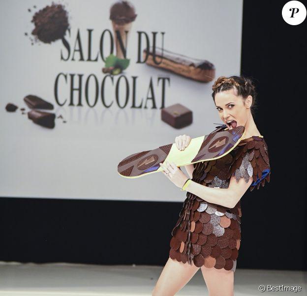 Capucine Anav au Défilé du 22ème salon du chocolat à la porte de Versailles à Paris le 27 octobre 2016. (coiffures Franck Provost / maquillages Make Up For Ever) © Veeren-Perusseau/Bestimage
