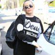Exclusif - Rose McGowan se promène dans les rues de Beverly Hills, le 31 octobre 2016