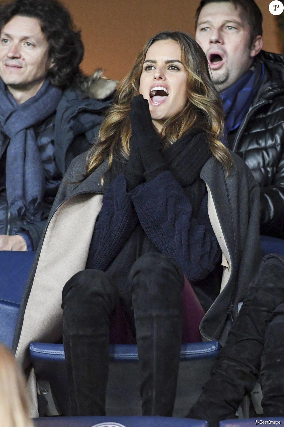 Izabel Goulart, compagne de Kevin Trapp, assiste à la clôture de la 12ème journée de Ligue 1 qui opposait le Paris Saint Germain au Stade Rennais (victoire 4-0 du PSG), à Paris au Parc des Princes le 6 novembre 2016.