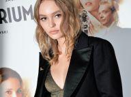 Lily-Rose Depp, chic et décolletée, brille devant sa mère Vanessa Paradis