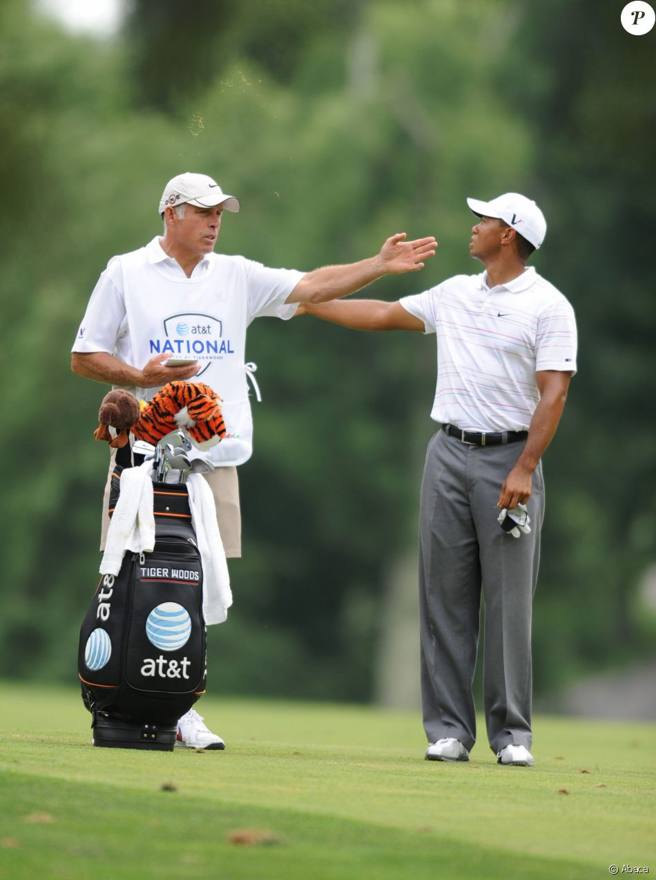 Tiger Woods Et Steve Williams A Bethesda Dans Le Maryland Le 4 Juillet 2009 Purepeople