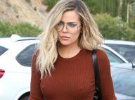 Khloé Kardashian : Look intello pour une sortie sans soutien-gorge