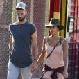 Benoît Paire et sa compagne Shy'm se promènent dans les rues de Brooklyn à New York le 23 août 2016.