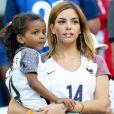 Isabelle Malice (la compagne de Blaise Matuidi) et sa fille Naëlle lors du match de l'Euro 2016 Allemagne-France au stade Vélodrome à Marseille, France, le 7 juillet 2016.