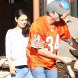 """""""Ashton Kutcher, sa femme Mila Kunis très enceinte et sa fille Wyatt sont allés prendre le petit déjeuner en famille à Beverly Hills, le 13 novembre 2016"""""""