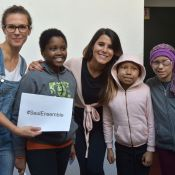 Lorie Pester en campagne avec Eva Longoria, Shy'm et Karine Ferri