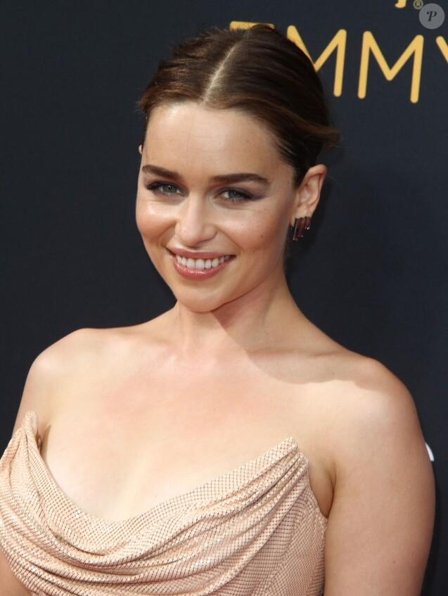 Emilia Clarke - 68e cérémonie des Emmy Awards au Microsoft Theater à Los Angeles, le 18 septembre 2016.