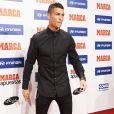 Cristiano Ronaldo reçoit le prix 'Alfredo Di Stefano Award' au Florida Park à Madrid, le 7 novembre 2016.