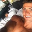 Cristiano Ronaldo, selfie avec son fils Cristiano Jr. lors de leurs vacances, photo Instagram, été 2016.