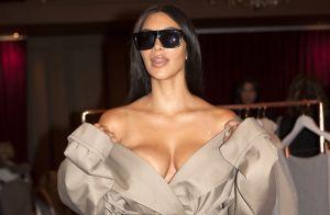 Kim Kardashian : Les fesses à l'air pour un shooting torride avec sa soeur Khloé