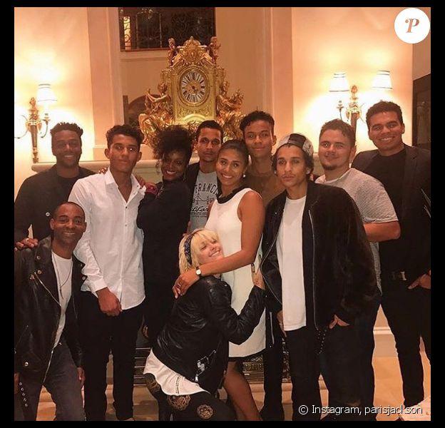 Le clan Jackson se retrouve pour célébrer Thanksgiving en famille. Photo publiée sur Instagram le 24 novembre 2016