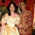 """Keo Woolford et Josie Lawrence dans """"Le Roi et moi"""" au London Palladium à Londres, printemps 2001."""